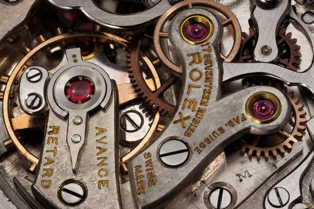 rolex_chronograph_2303_movement_valjoux_69_detail